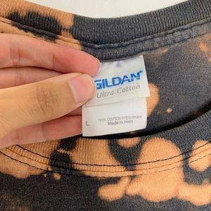 Gildan Tops - Southern New Hampshire University Bleached Tie Dye
